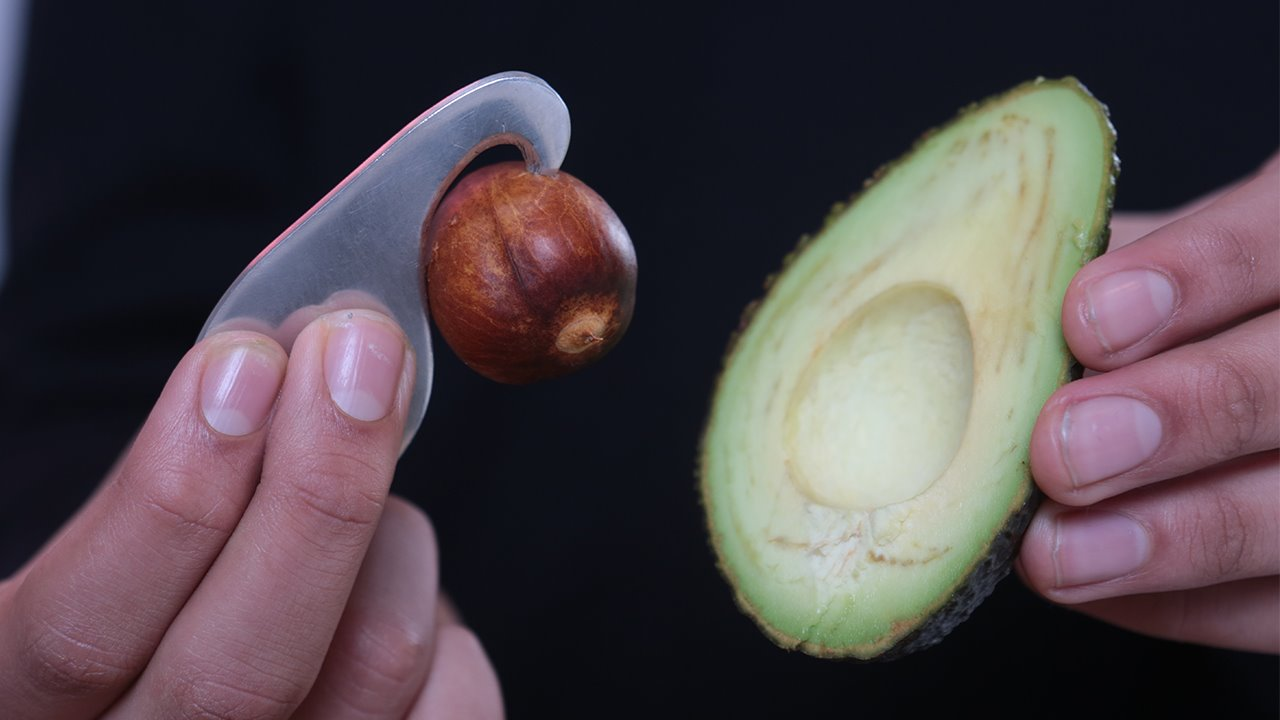 Avogo-tool-with-avocado-Brighton-College-design.jpg