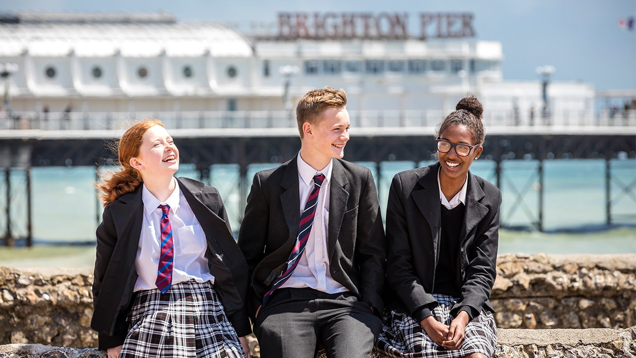 Brighton-College-co-ed-pupils-on-beach.jpg (1)